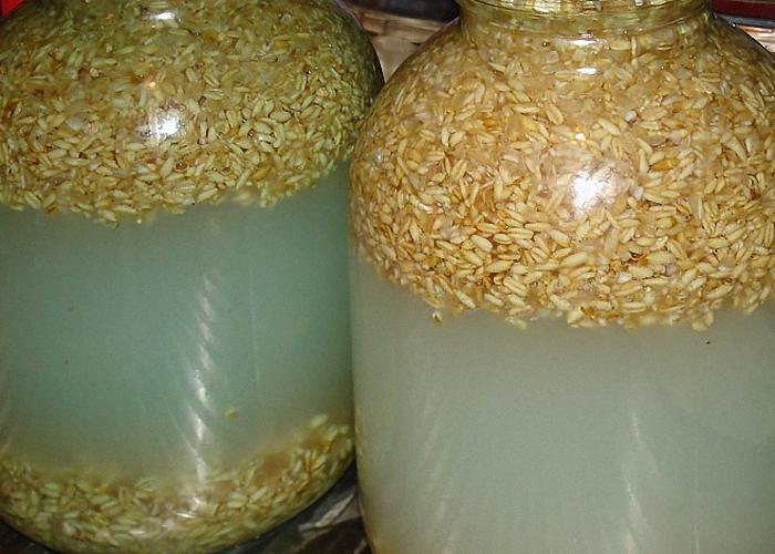 Зерновая брага из пшеницы: секрет приготовления хлебного самогона