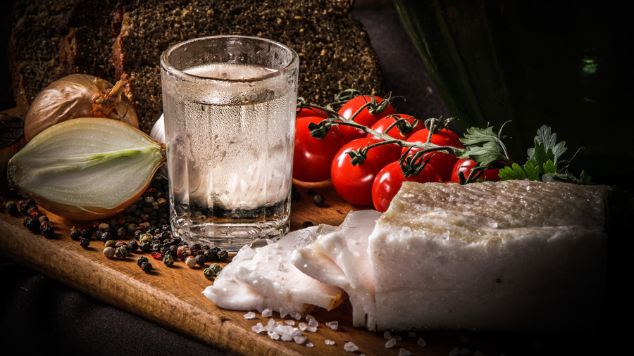 Приготовление сахарного самогона в домашних условиях. Пропорции для постановки браги на дрожжах с сахаром