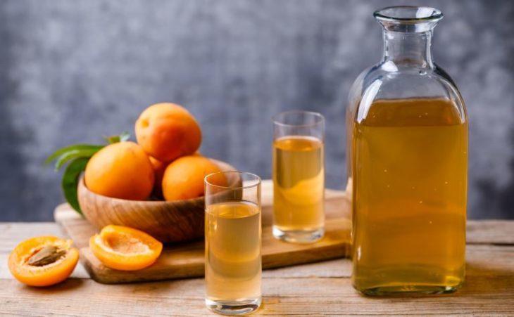 Классическая абрикосовая настойка